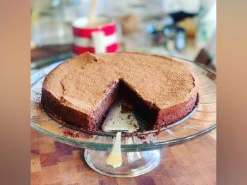 Permalink to: Sunken Chocolate Amaretto Cake